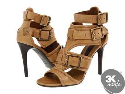 Burberry Ayakkabı Modelleri