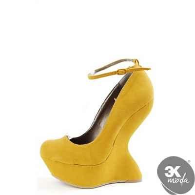 İlginç Topuklu Ayakkabılar
