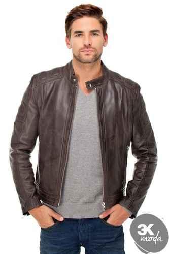 Derimod Erkek Deri Ceket alışverişinize hemen başlayın. Yeni sezon ve outlet ürünleri ile Derimod erkek deri ceketleri, tüm alışveriş sitelerinin indirimli ürünleri MontModası'nda.