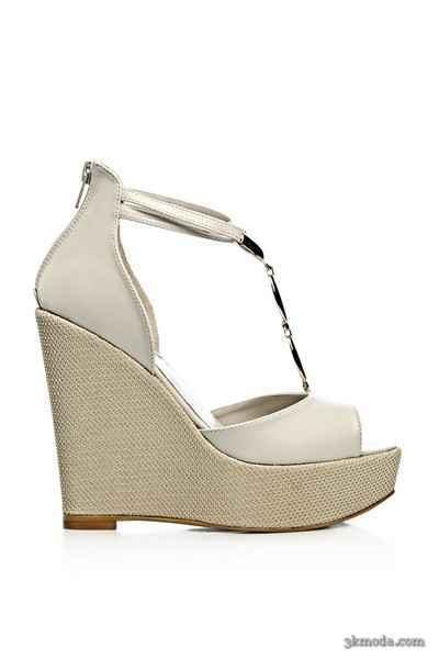 2014 Yazlık açık topuklu ayakkabı modelleri