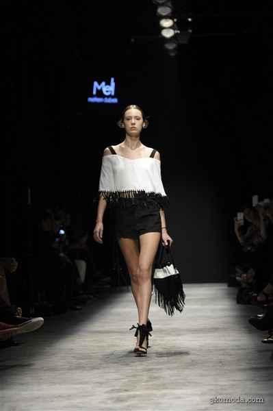 İstanbul Moda Haftasında Meltem Özbek Defilesi