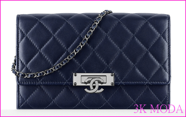 Chanel-Wallet-with-Chain-Navy-2100.jpg