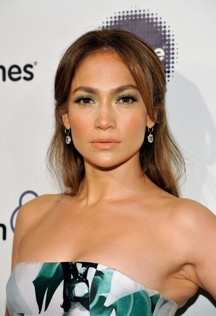 Jennifer lopez half up long straight hairstyle pictures to pin on