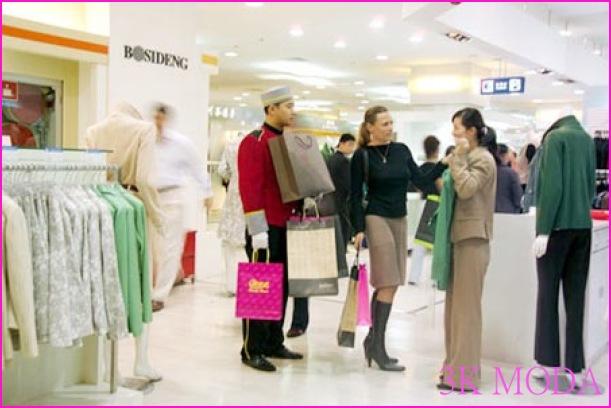 Alışveriş bağımlısı kadınlara kitap tasiyesi _0.jpg