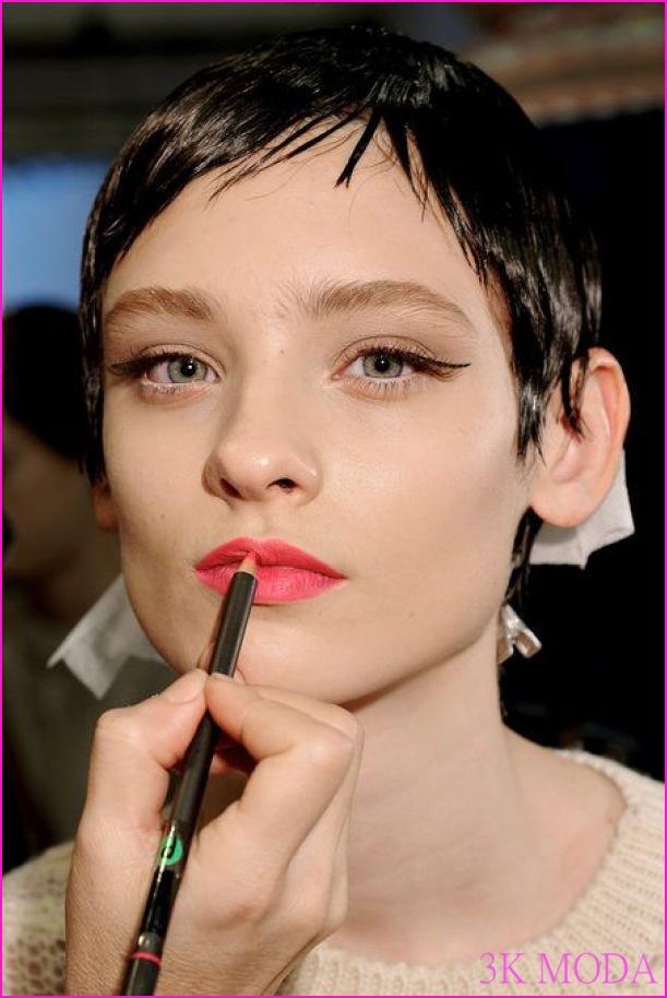 dudak-kalemi-kullanımı.jpg
